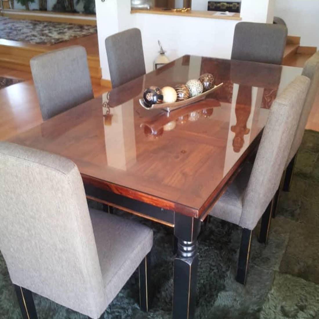 Mesa de jantar veletura teca e pintura em preto