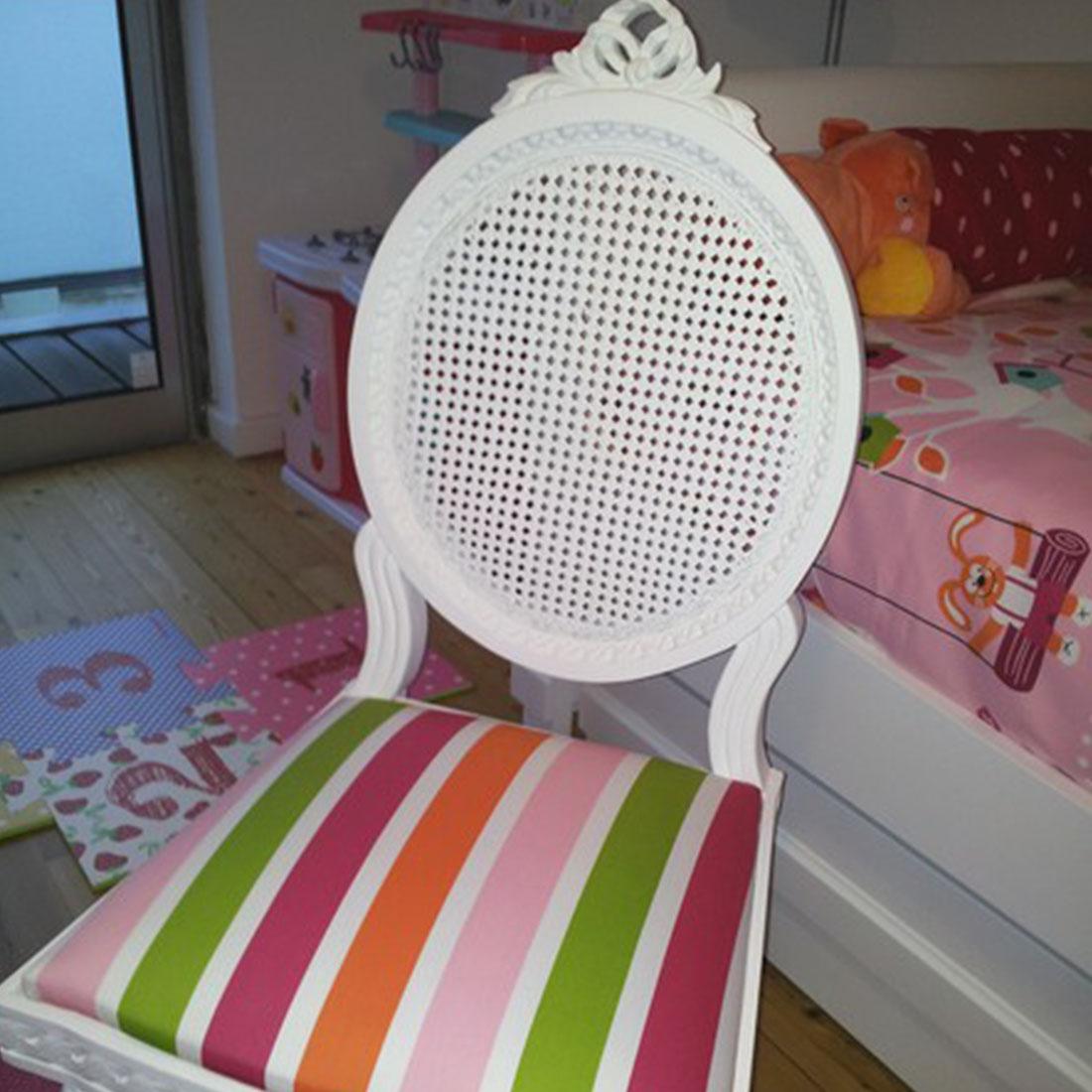 cadeira lacada branco