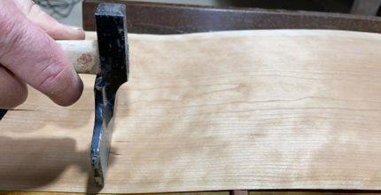 Colocação de folha em madeira